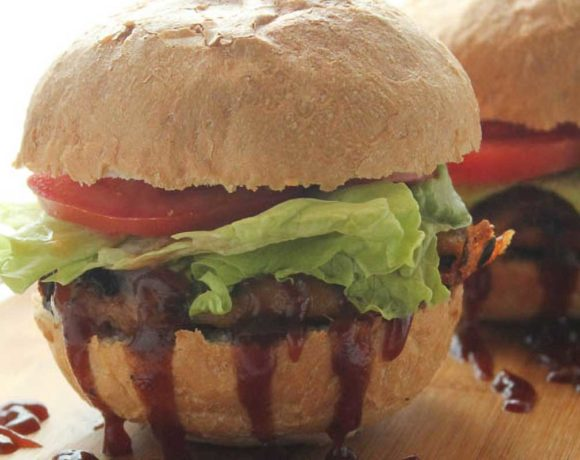 grilled turkey burgers with barbecue sauce