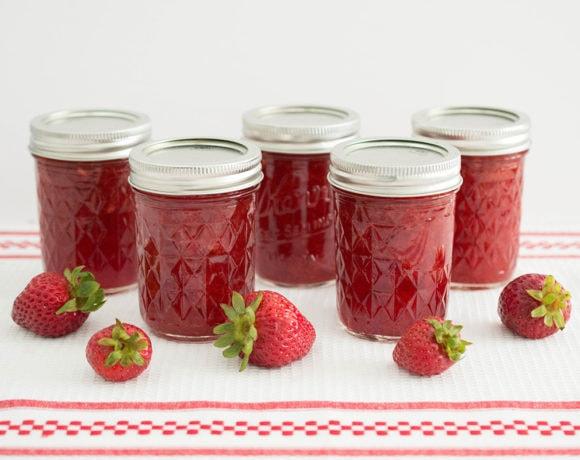 homemade low sugar strawberry jam