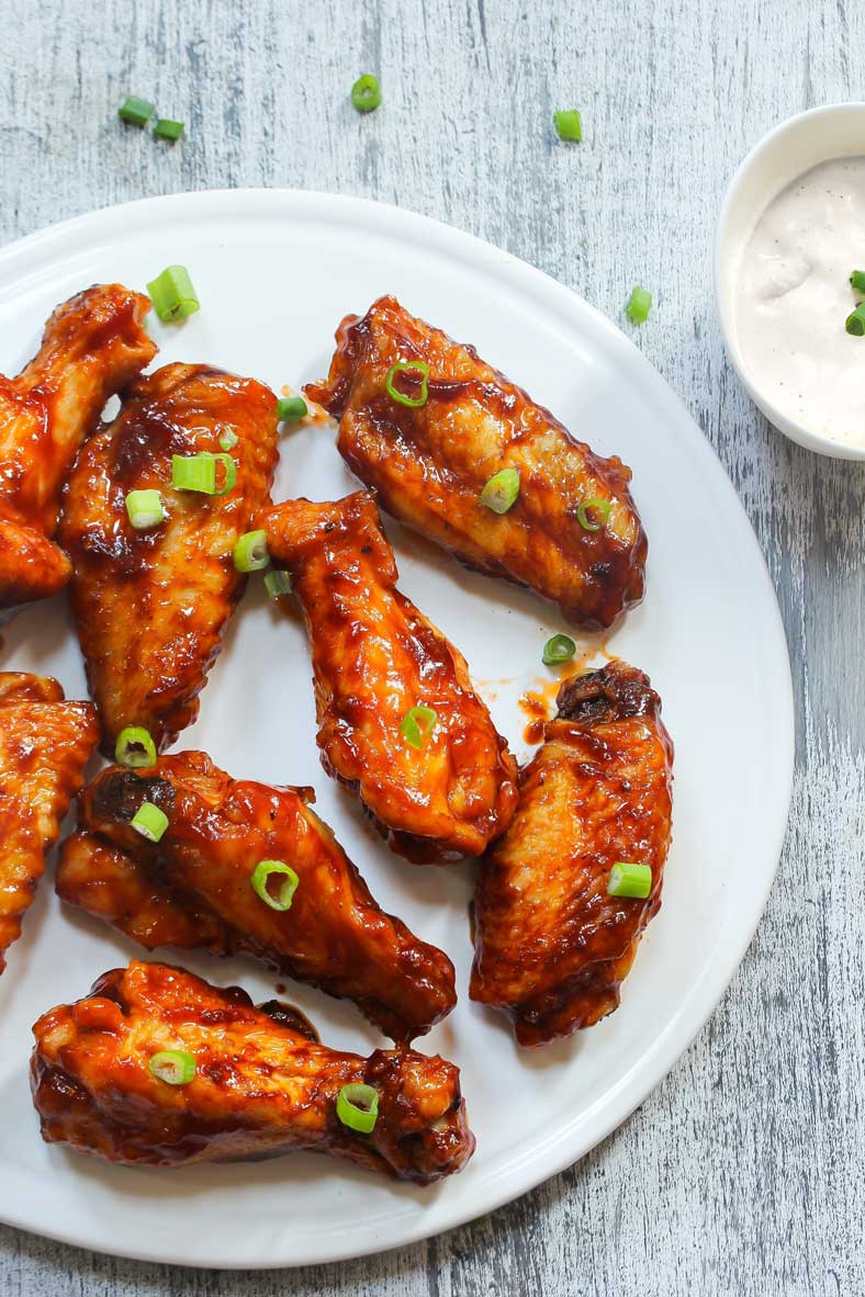 baked chicken wings with barbecue sauce and ranch dip