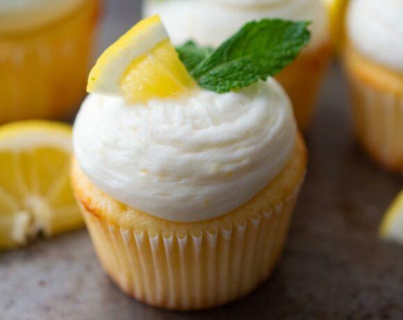 Fresh Lemon Cupcakes with Lemon Cream Cheese Frosting