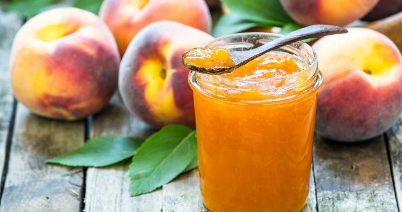 low sugar peach jam, homemade peach jam with fresh peaches