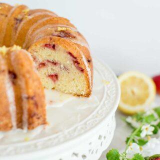 Strawberry Bundt Cake Featured 5