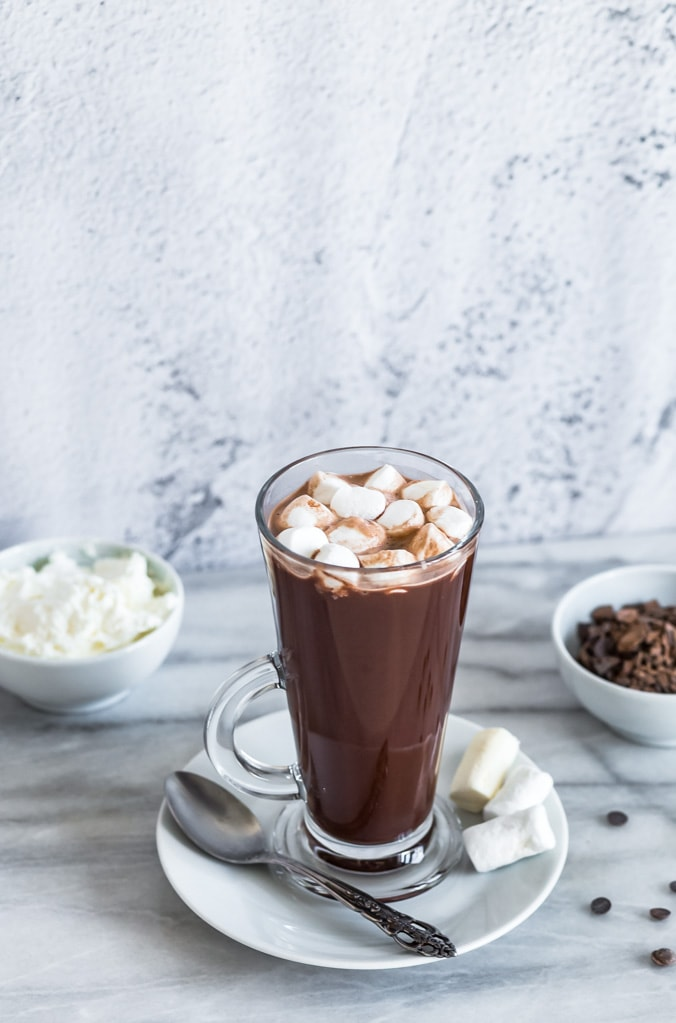 vegan hot chocolate with marshmallows on top